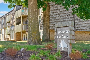 4220 Grand Avenue 2-3 Beds Apartment for Rent Photo Gallery 1