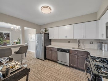 1685 Bedford Square Dr 1-2 Beds Apartment for Rent Photo Gallery 1