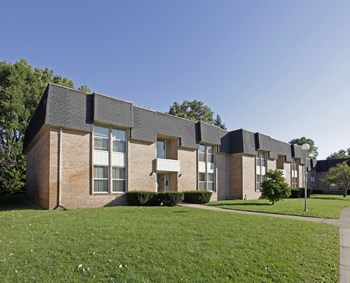 1685 Bedford Square Dr 1 Bed Apartment for Rent Photo Gallery 1