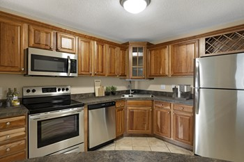1015 Sibley Memorial Hwy Studio-3 Beds Apartment for Rent Photo Gallery 1