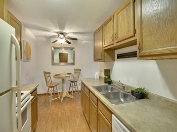 2330 Stillwater Ave E 1 Bed Apartment for Rent Photo Gallery 1