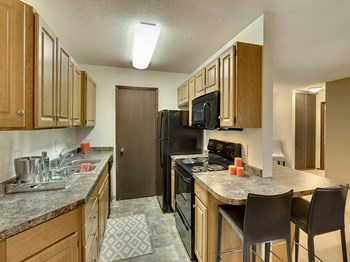 1351 Hampshire Avenue South Studio-2 Beds Apartment for Rent Photo Gallery 1