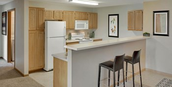 13600 Commerce Blvd 3 Beds Apartment for Rent Photo Gallery 1