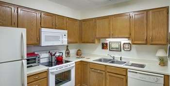 5250 Vernon Avenue 1-2 Beds Apartment for Rent Photo Gallery 1