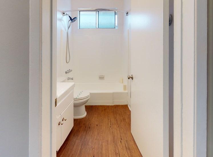 Venice Blvd Apartments | Los Angeles, CA | Bathroom