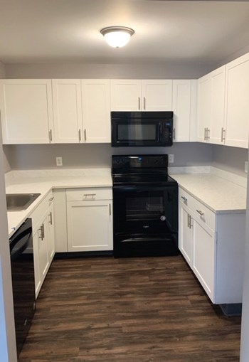 5570 Centerpointe Blvd 1-2 Beds Apartment for Rent Photo Gallery 1