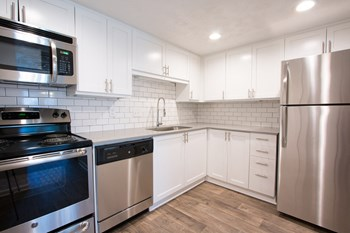 5000 S Lincoln Trace Ave 1-2 Beds Apartment for Rent Photo Gallery 1