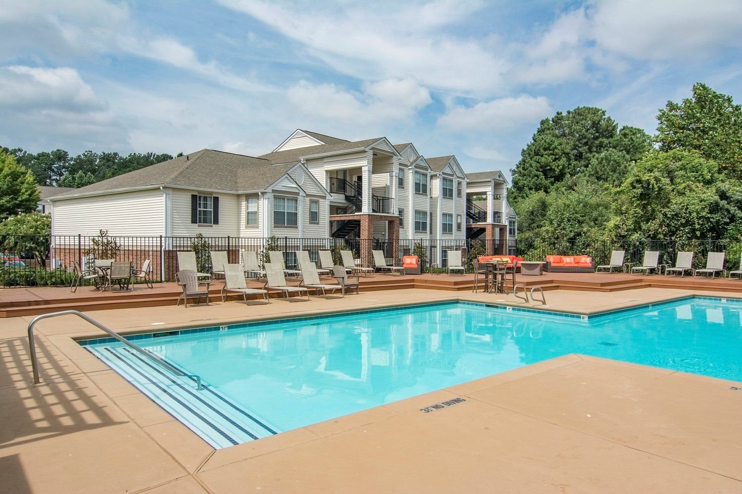 Everly Apartments In Lawrenceville Ga