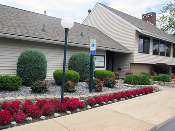 4070 Green Isle Way 1-3 Beds Apartment for Rent Photo Gallery 1
