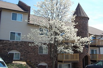 4010 N. Brandywine Drive 1-2 Beds Apartment for Rent Photo Gallery 1