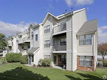 710 S Eola Rd, 1-2 Beds Apartment for Rent Photo Gallery 1