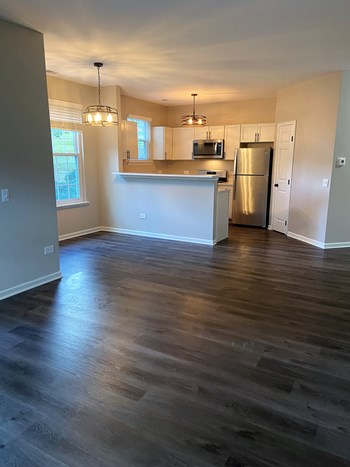 1637 Carlemont Drive 1-2 Beds Apartment for Rent Photo Gallery 1
