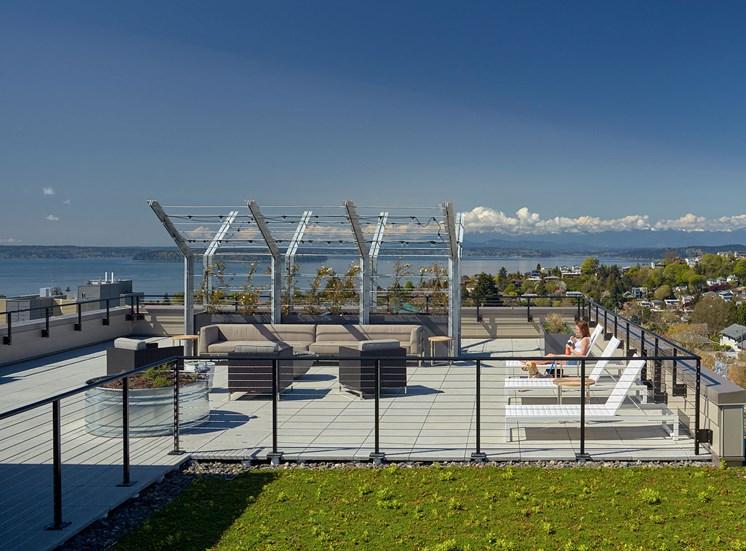 4730 California Apartments Level 8 Outdoor Lounge