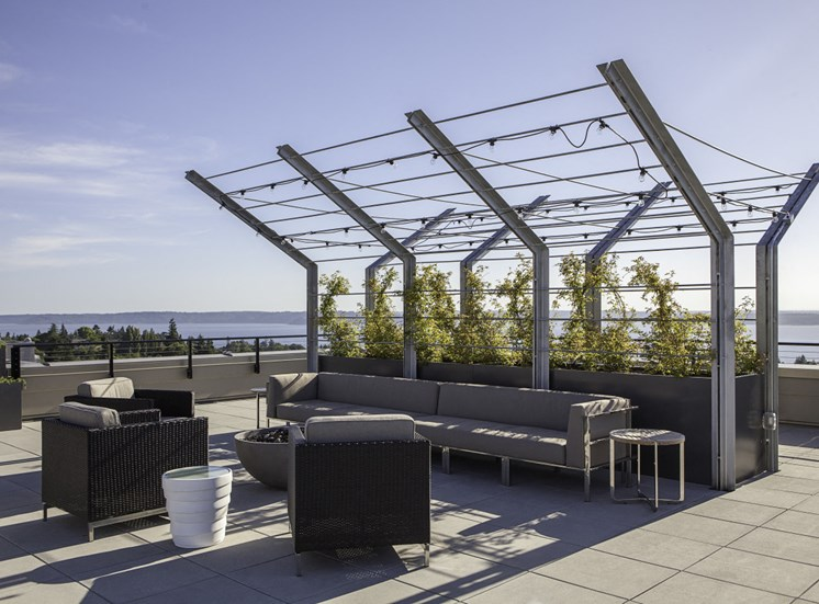 4730 California Apartments Rooftop Lounge with Couches