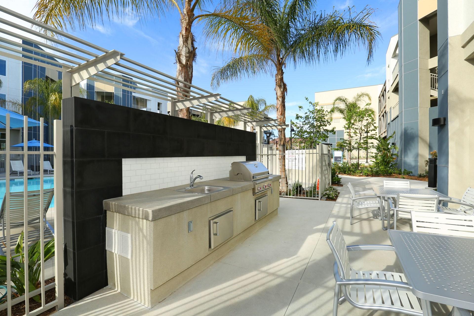 Mosaic Apartments_Oxnard CA_BBQ