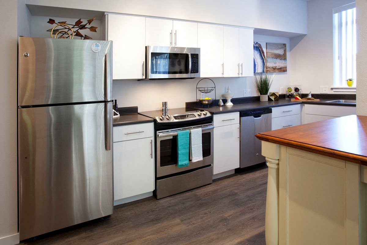 Pine Valley Ranch Apartments Kitchen and Appliances