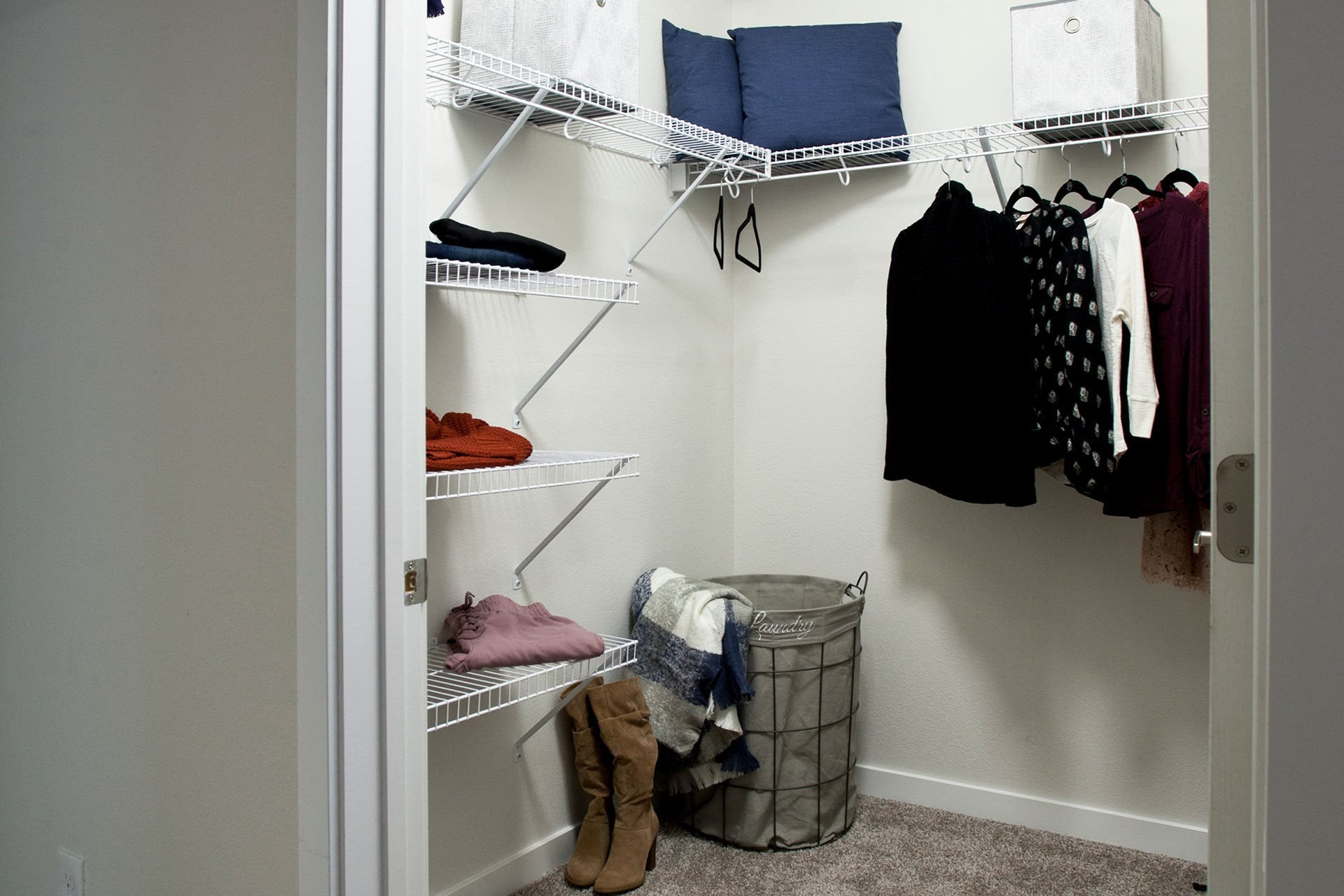 Pine Valley Ranch Apartments Walk In Closet