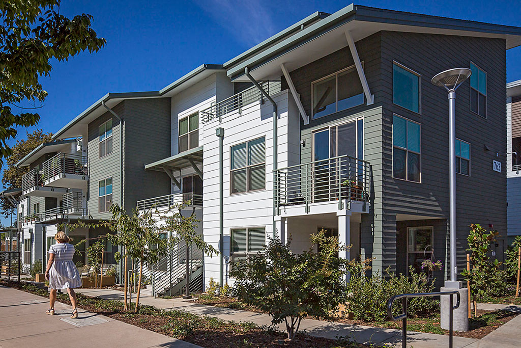 Capitol Yard Apartments_ West Sacramento CA_Private Patios