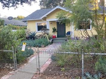 2127 Oak Park Lane 1-2 Beds Duplex/Triplex for Rent Photo Gallery 1