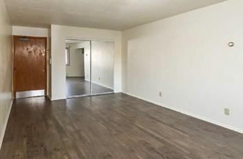2585 Conway Avenue E Studio Apartment for Rent Photo Gallery 1