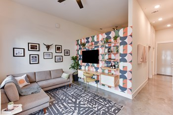 601 W St Johns Ave Studio-1 Bed Apartment for Rent Photo Gallery 1