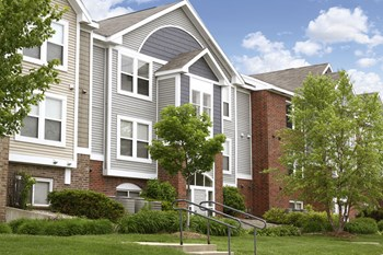 1109 Hidden Lakes Drive 1-3 Beds Apartment for Rent Photo Gallery 1