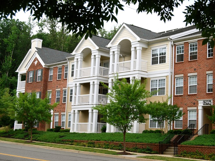 Exterior View Of The Community at Enclave Apartments, Midlothian, VA