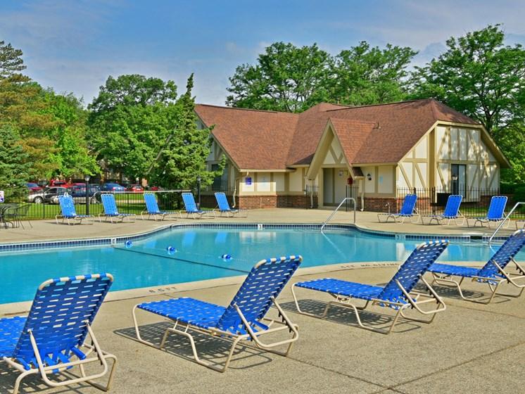Swimming Pool & Sundeck at Sycamore Creek Apartments, Michigan