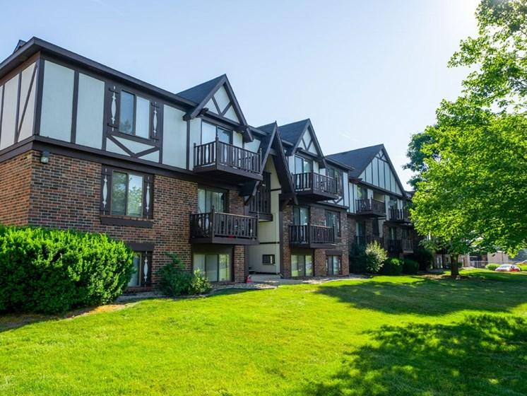 Lush Green Outdoor Spaces at Fairlane Apartments, Michigan