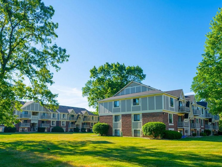 Lush Green Outdoor Spaces at Fairlane Apartments, Springfield, 49037
