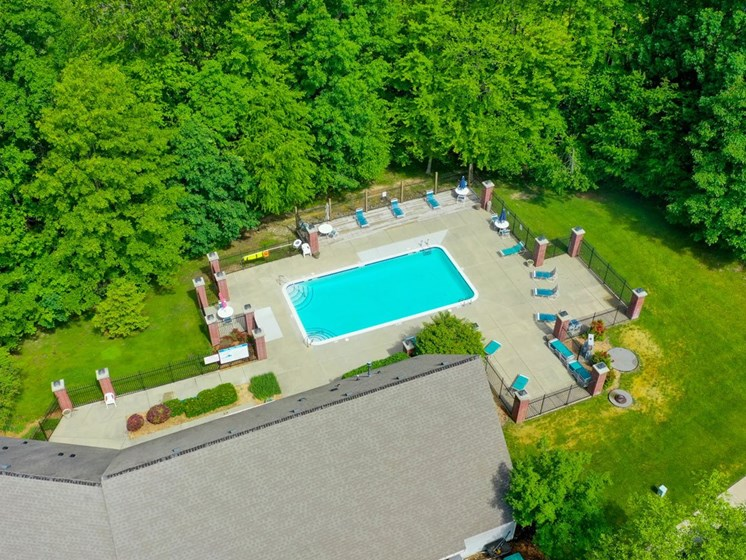 Resort-style Pool with Community Building at Glenn Valley Apartments, Battle Creek, 49015