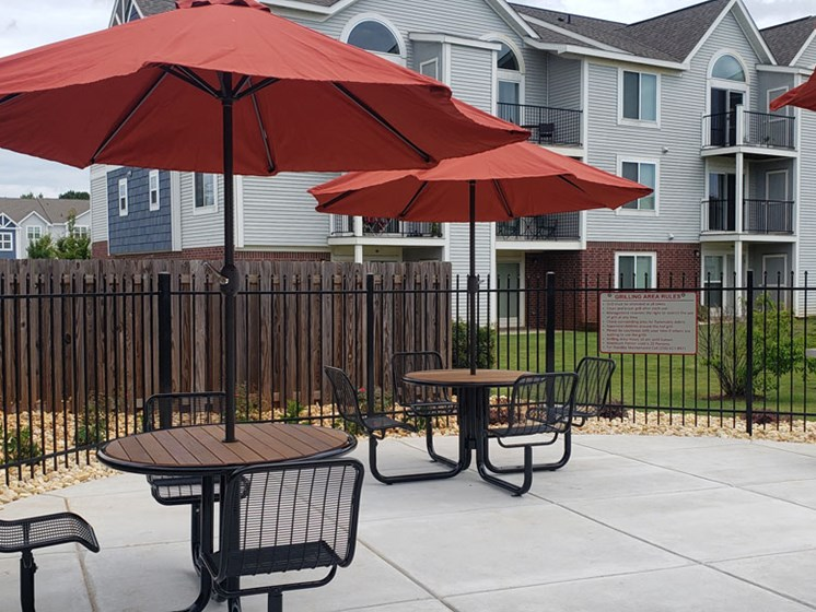 Grills and Tables at Limestone Creek Apartment Homes in Madison, AL
