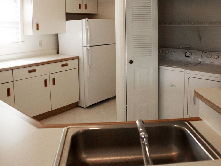 Modern Kitchen With Cabinets at Hurwich Farms Apartments, South Bend, Indiana