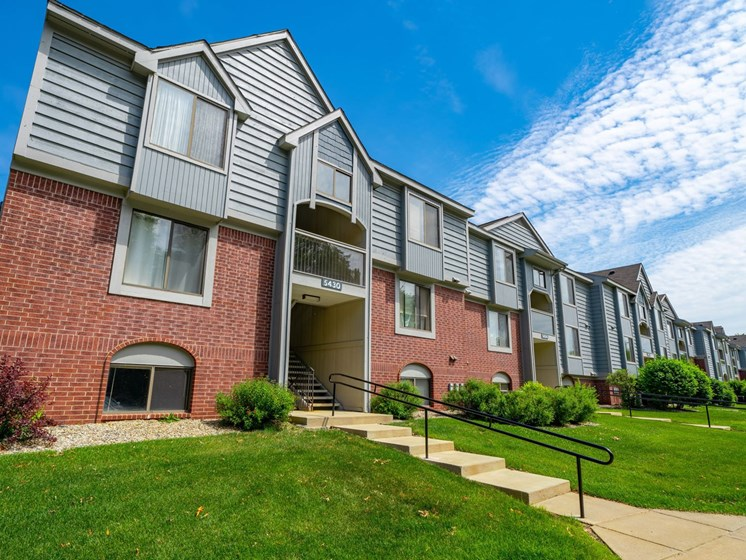 Non-Smoking Buildings Offered at Glenn Valley Apartments, Battle Creek