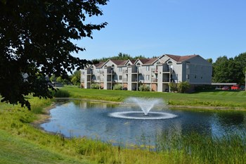 7000 Byron Lakes Drive SW 1-2 Beds Apartment for Rent Photo Gallery 1