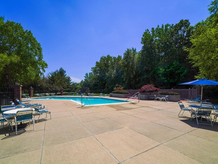Poolside Dining Tables at Byron Lakes Apartments, Byron Center