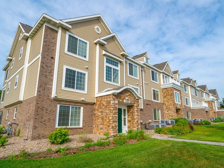 Green spaces  at Colonial Pointe at Fairview Apartments, Bellevue, NE, 68123