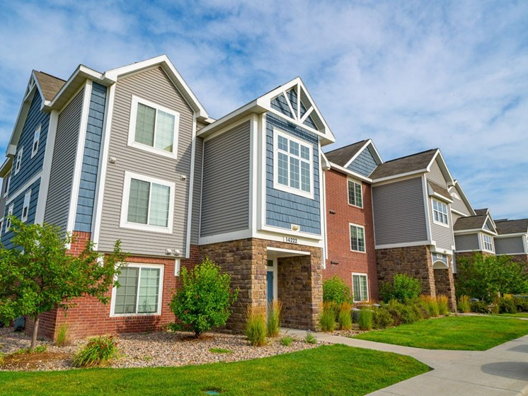 Exterior View Of Property at Colonial Pointe at Fairview Apartments, Bellevue, NE, 68123