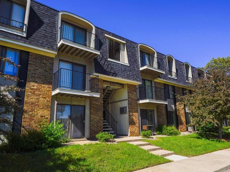 Elegant Exterior View at Concord Place Apartments, Kalamazoo, MI, 49009