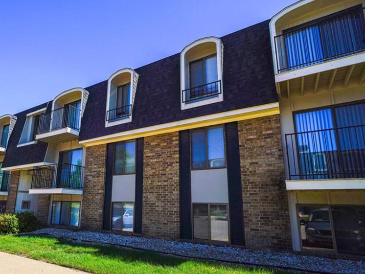 Exquisite Exterior at Concord Place Apartments, Michigan, 49009