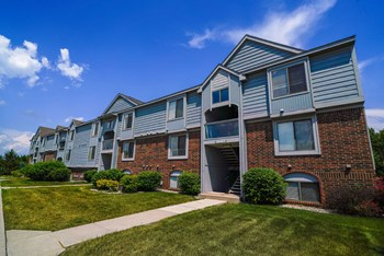 3302 Vantage Point Drive 1-2 Beds Apartment for Rent Photo Gallery 1