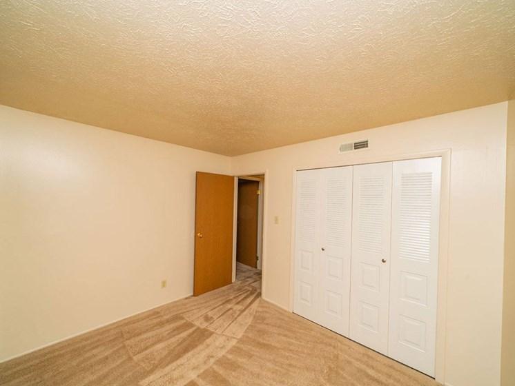 Interior at Hickory Village Apartments, Mishawaka, 46545