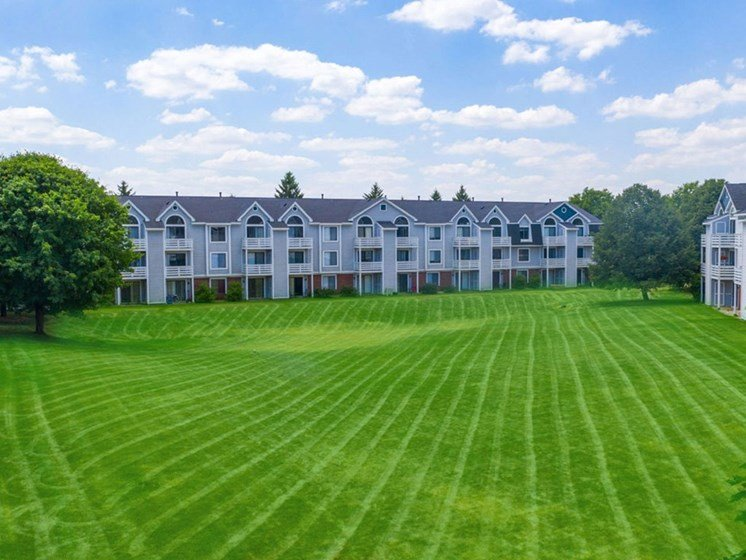 Lush Green Outdoor Spaces at Indian Lakes Apartments, Indiana, 46545