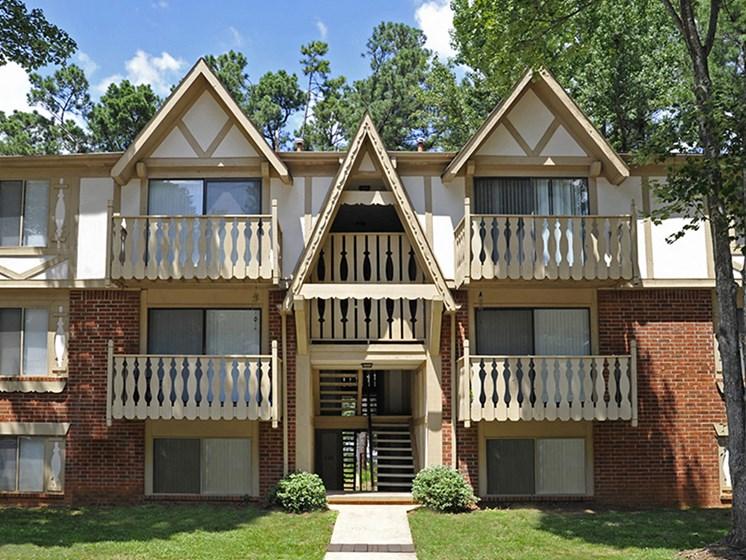 Unique Exteriors at Laurel Woods Apartments, Greenville