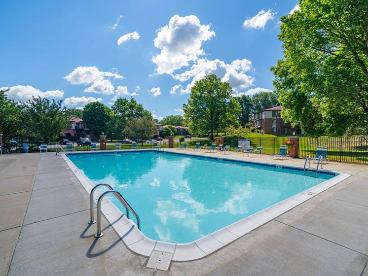Relaxing Swimming Pool With Sundeck at Old Farm Apartments, Elkhart