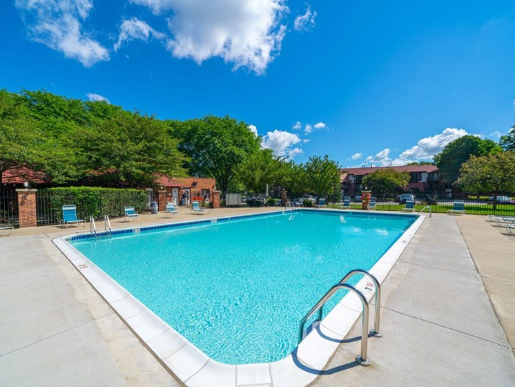 Cool Blue Swimming Pool at Old Farm Apartments, Indiana, 46517