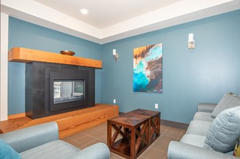 2900 Grand Ave Studio Apartment for Rent Photo Gallery 1