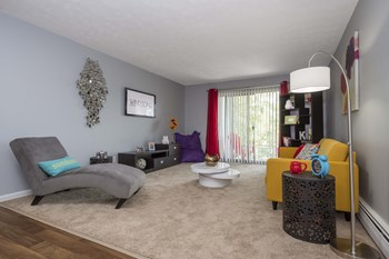 860 Walton Blvd. 1-3 Beds Apartment for Rent Photo Gallery 1
