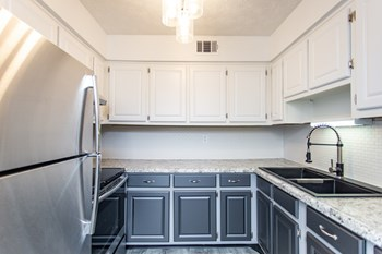 3819 Plane Tree Drive West 1-2 Beds Apartment for Rent Photo Gallery 1