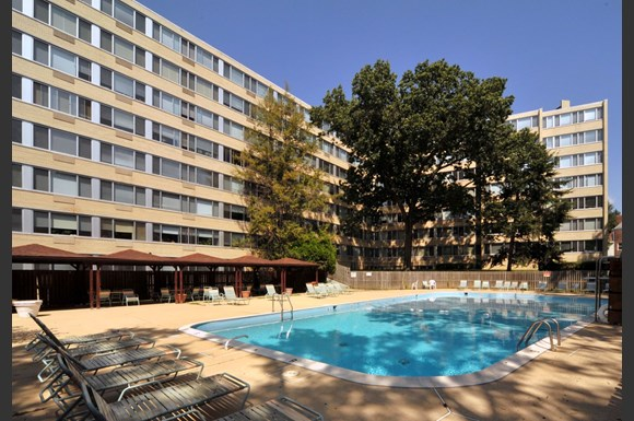 Rittenhouse Apartments large outdoor pool